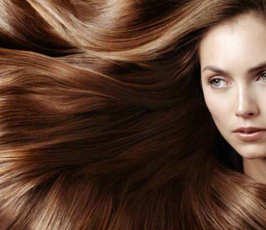 Maschera per capelli fragili che cadono fai da te. Scopri come fare una maschera rinforzante per capelli fragili in casa con ingredienti naturali ed alcuni consigli per la cura dei capelli.