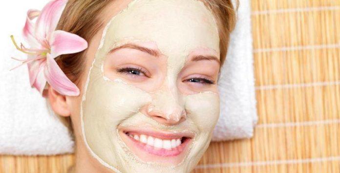 Maschere viso per pelle secca fai da te. Scopri come fare una maschera viso fatta in casa per la pelle secca con ingredienti naturali ed alcuni consigli per la cura della pelle del viso.