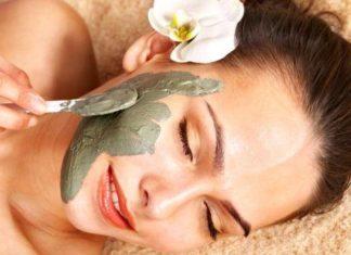 Maschere purificanti per il viso fai da te. Scopri come fare una maschera viso purificante fatta in casa con ingredienti naturali ed alcuni consigli per la cura della pelle del viso.