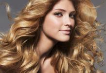 Maschera per dare volume ai capelli fai da te. Scopri come fare una maschera volumizzante per capelli in casa con ingredienti naturali ed alcuni consigli su come avere capelli folti e voluminosi.