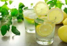 Bere acqua e limone al mattino fa bene? Aiuta a dimagrire? Un bicchiere di acqua calda e limone a digiuno fa male? Scopri i benefici per la salute dell'acqua e limone la mattina, se fa dimagrire, gli effetti, le controindicazioni e i motivi per iniziare la giornata bevendo acqua tiepida e succo di limone.