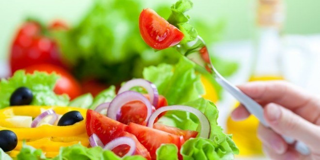 Colesterolo alto: cause,sintomi, valori, rimedi naturali,alimenti da evitare, cosa mangiare, esempio di dieta per abbassare il colesterolo