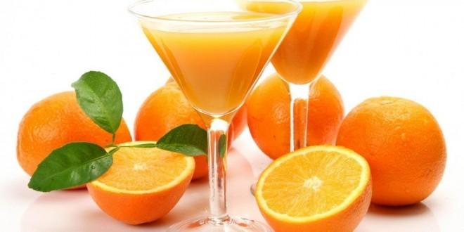 Arance: proprietà, benefici, uso, rimedi e controindicazioni. Scopri le proprietà benefiche dell'arancia, perché fanno bene alla salute, come usare le arance in cucina o come rimedi naturale, le controindicazioni e gli effetti collaterali.