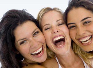 Ridere fa bene alla salute e rinforza la mente. Scopri perché ridere fa bene alla salute e quali sono gli effetti benefici per il nostro organismo e l'importanza per la salute di una buona risata.