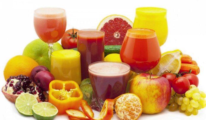 Frullati di frutta e verdura: ricette e benefici per la salute. Scopri come fare un frullato di frutta e verdura, che differenza c'è tra frullati e centrifugati e le migliori ricette di frullati gustosi e salutari.
