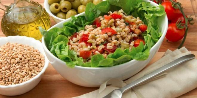 Come fare insalata di farro - ricette facili e veloci