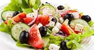 Come fare insalata greca - le migliori ricette facili e veloci