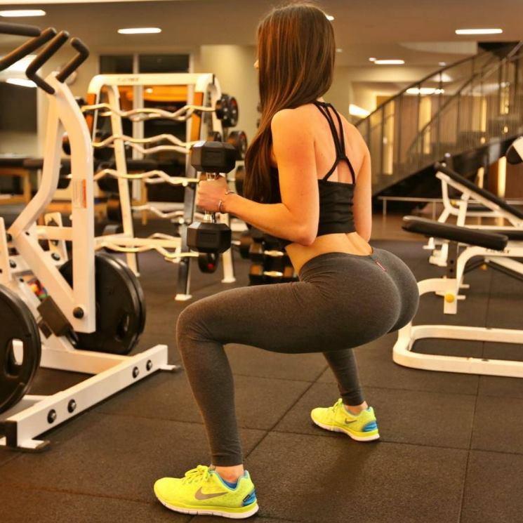 reputazione prima numerosi in varietà estremamente unico Squat: il miglior esercizio per allenare cosce e glutei