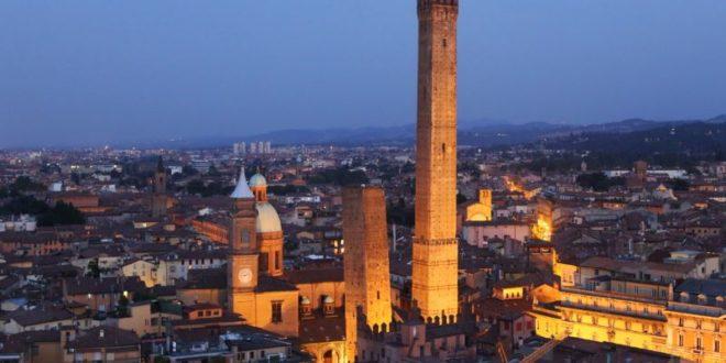 Cosa vedere a Bologna: le 10 attrazioni turistiche da visitare assolutamente. Scopri i luoghi più belli da visitare a Bologna nel corso della vostra vacanza.
