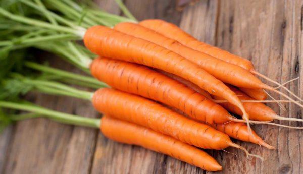 Carote: proprietà e benefici per la salute. Scopri a cosa serve la carota e come usare le carote in cucina o come rimedi naturale.