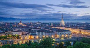 Cosa vedere a Torino: le 10 attrazioni turistiche da visitare assolutamente. Scopri i luoghi più belli da visitare a Torino nel corso della vostra vacanza.