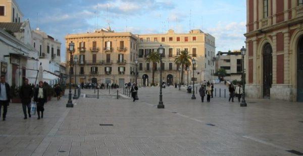Cosa vedere assolutamente a Bari Piazza del ferrarese