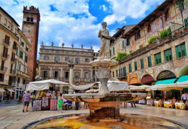 Cosa vedere a Verona Piazza delle Erbe