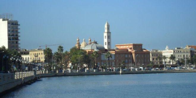 Cosa vedere a Bari: le 10 attrazioni turistiche da visitare assolutamente. Scopri i luoghi più belli da visitare a Bari nel corso della vostra vacanza.