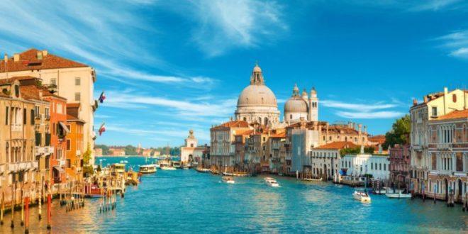 Cosa vedere a Venezia: le 10 attrazioni turistiche da visitare assolutamente. Scopri i luoghi più belli da visitare a Venezia nel corso della vostra vacanza.