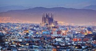 Cosa vedere a Barcellona: le 10 attrazioni turistiche da visitare assolutamente. Scopri i luoghi più belli da visitare a Barcellona nel corso della vostra vacanza.