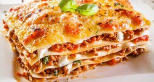Lasagna alla Bolognese: ricetta originale + altre ricette facili e veloci. Scopri come preparare le lasagne alla bolognese, gli ingredienti, i consigli utili per cucinare le lasagne e le migliori ricette di lasagne al forno.