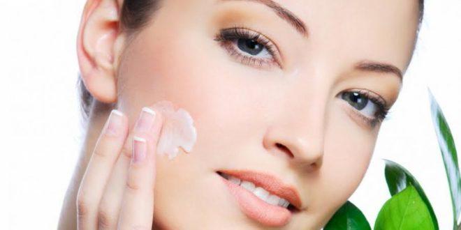 Rughe del viso: cause, prevenzione, trattamenti medici estetici e trattamenti naturali. Scopri i migliori trattamenti estetici e naturali contro le rughe del viso.