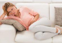 Nausea e vomito in gravidanza: cause, alimentazione e rimedi naturali efficaci. Scopri cosa mangiare quando si ha la nausea in gravidanza, i cibi da evitare, cosa fare, cosa non fare e i più efficaci rimedi naturali per combattere nausea e vomito in gravidanza.