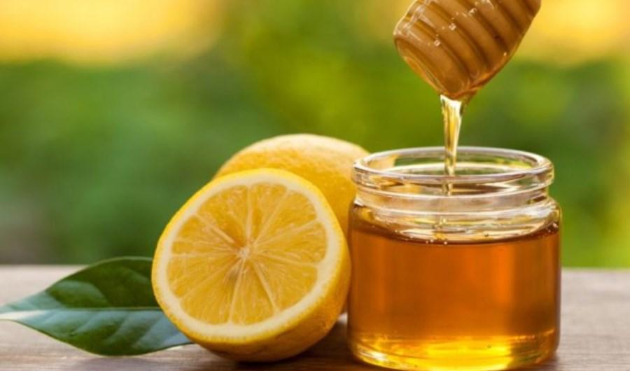 il limone con acqua serve per perdere peso