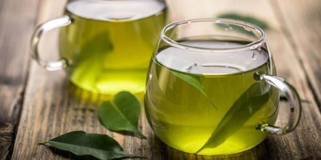 Tè Verde: proprietà e benefici per la salute scientificamente provati. Scopri le proprietà e tutti i benefici per la salute del tè verde scientificamente provati, se aiuta a dimagrire, come il tè verde può migliorare le funzioni cerebrali e cosa succede al tuo corpo se consumi ogni giorno tè verde.