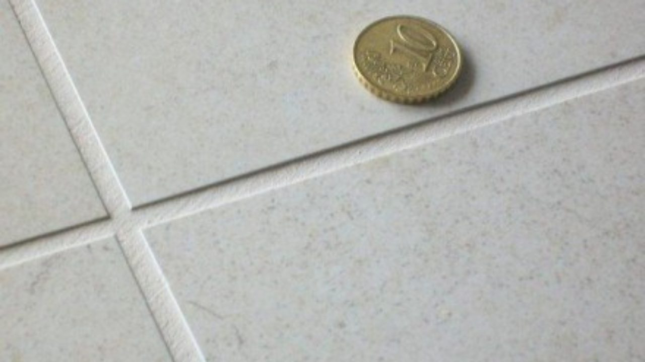 Togliere Le Piastrelle Dal Pavimento come pulire le fughe delle piastrelle ? tre metodi economici