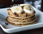 Pancake proteici con farina d'avena , albumi e yogurt. Ricetta e valori nutrizionali