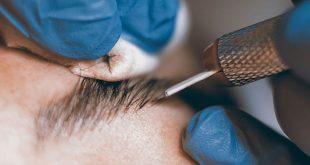 Tatuaggio delle sopracciglia con microblading o dermografia. Come funziona, vantaggi e svantaggi, costi.