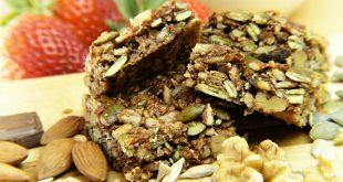 Guida agli snack proteici: ricette per le barrette proteiche fatte in casa e recensione delle migliori barrette sul mercato