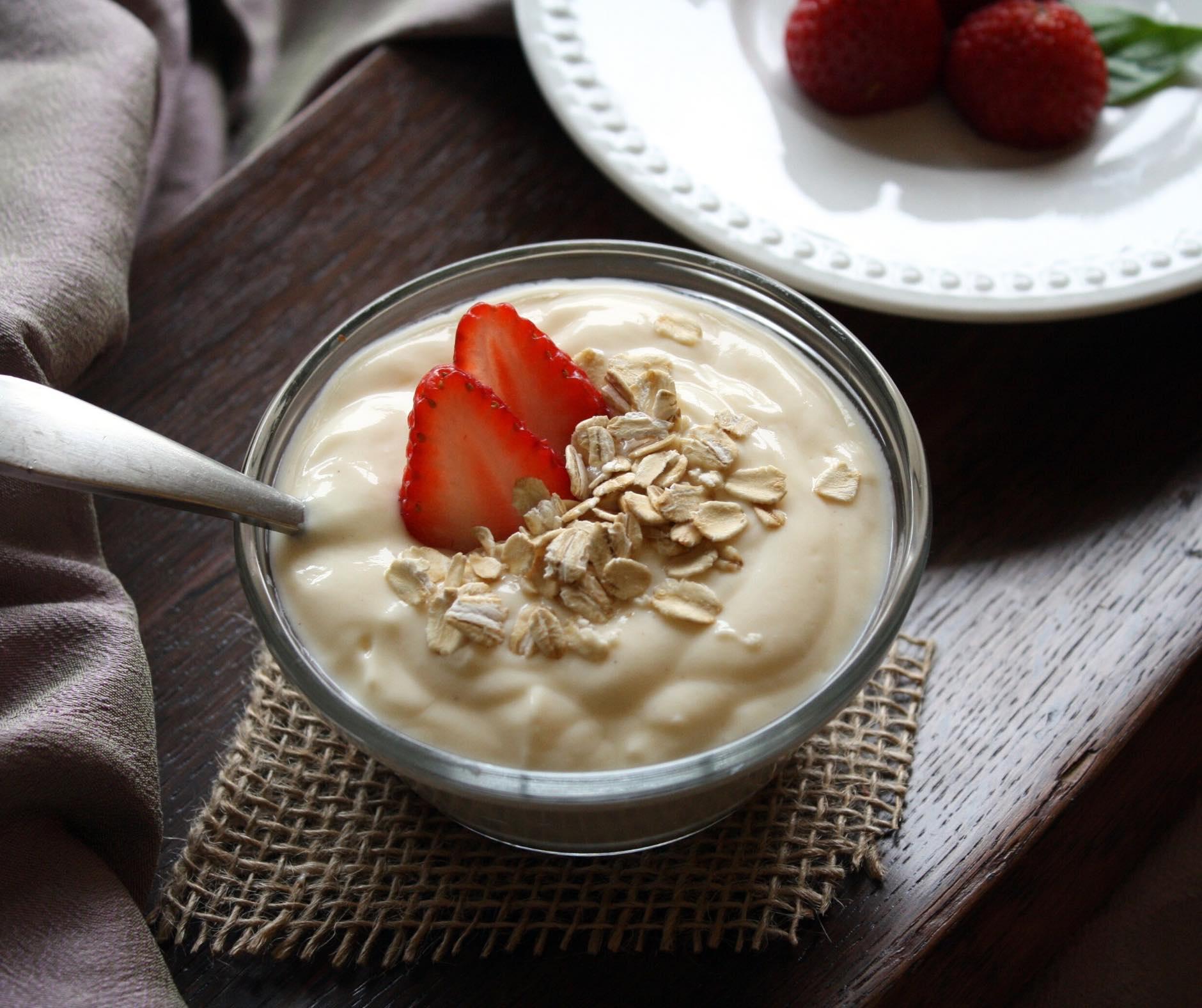 Ricetta Yogurt Greco Fatto In Casa Senza Yogurtiera.Yogurt Fatto In Casa Come Si Prepara Con O Senza Yogurtiera Come Si Trasforma In Yogurt Greco Fai Da Te
